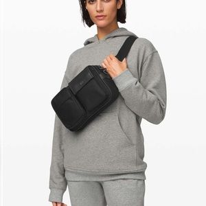 Lululemon now and always hip pack